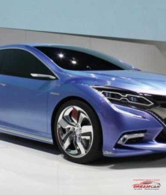 Новая Honda Insight 2018