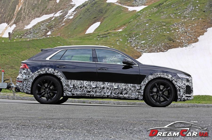 Audi RS Q8 4