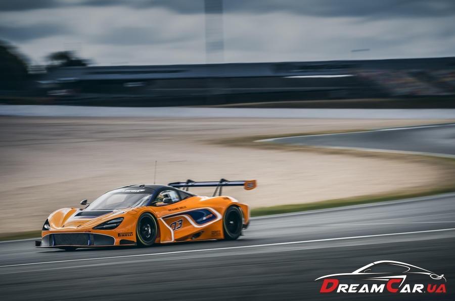 McLaren 720S GT3 4