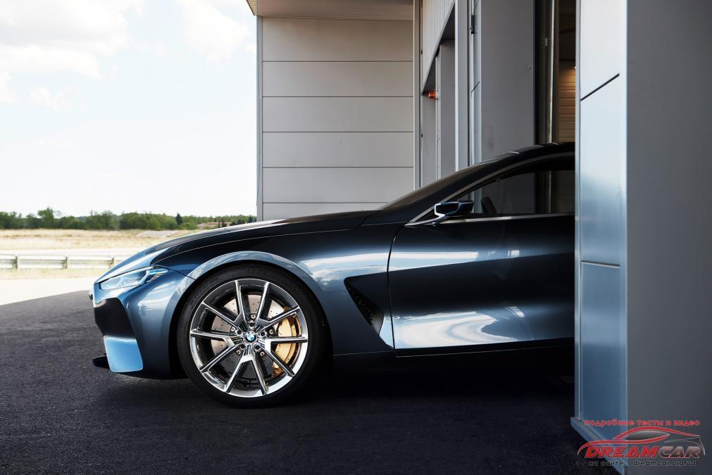 BMW 8-Series 2